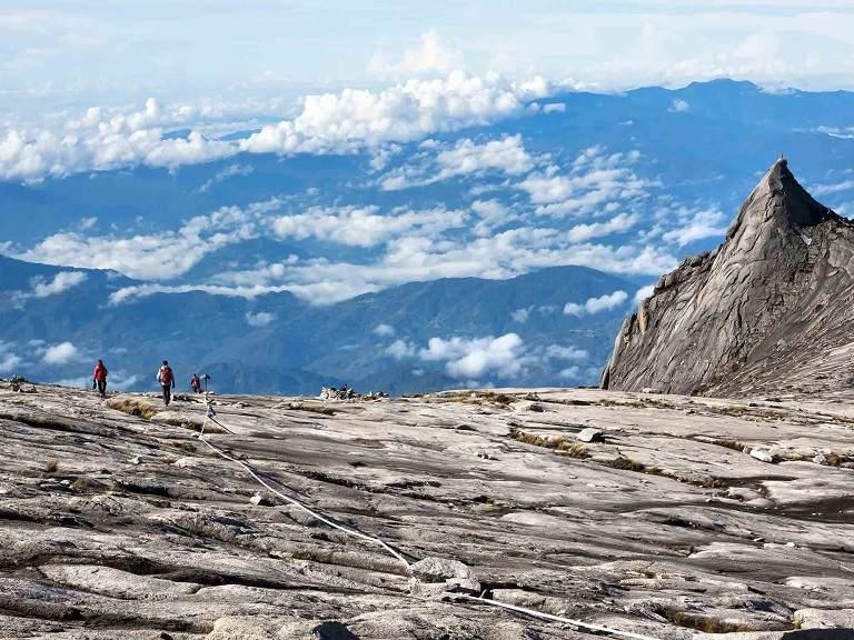 Núi Kinabalu - địa điểm du lịch tại Malaysia
