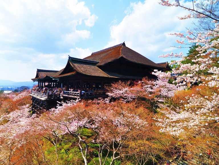 Phong cảnh tại chùa Kiyomizu-dera