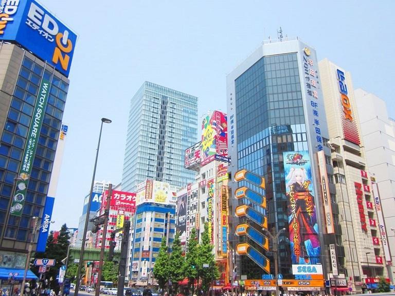 Ở Nhật Bản có rất nhiều khu mua sắm chuyên đồ công nghệ