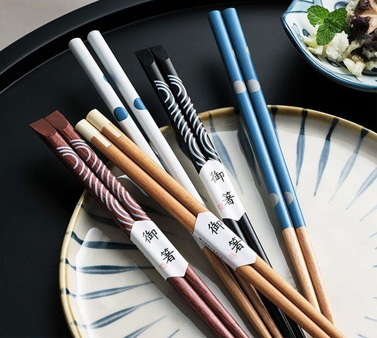 Đũa trong văn hóa Nhật mang ý nghĩa chúc hạnh phúc