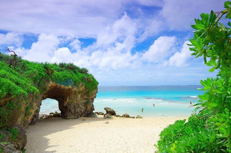 Cape Manzamo ở bãi biển Manza - Địa điểm du lịch Okinawa