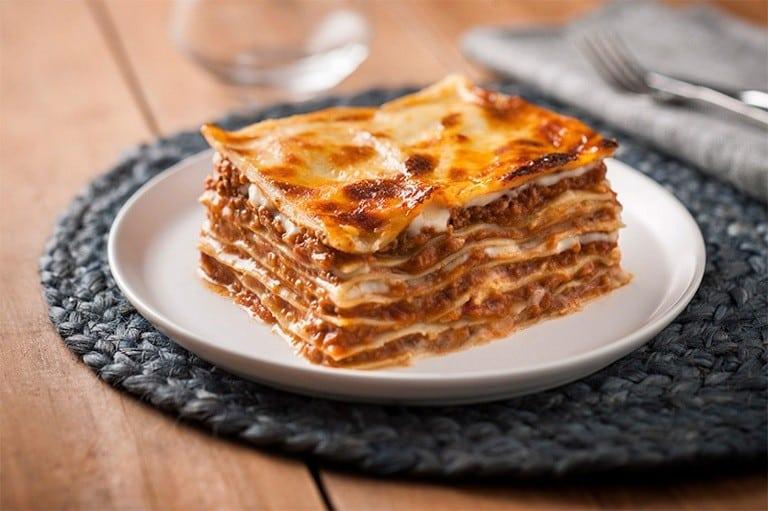 Món Lasagna - các món ăn nổi tiếng của Ý