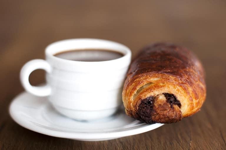 Pain au Chocolat - một trong các món ăn Pháp nổi tiếng