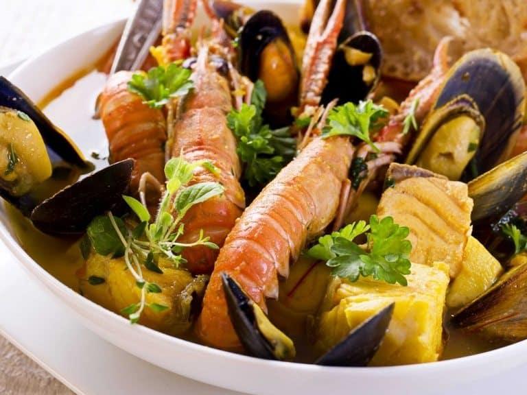 Súp hải sản kiểu Pháp - Một trong các món ăn Pháp nổi tiếng