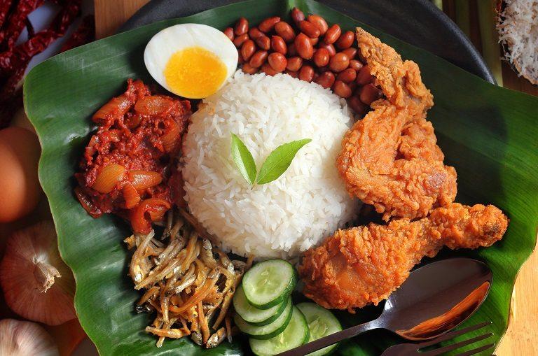 Nasi lemak - Đặc sản Malaysia