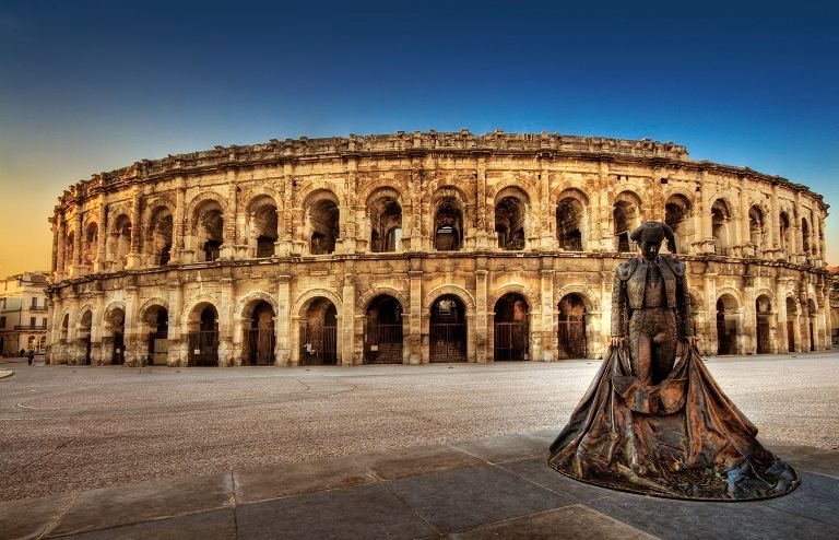 Đấu trường La Mã Nimes Arena - địa điểm du lịch tại Pháp