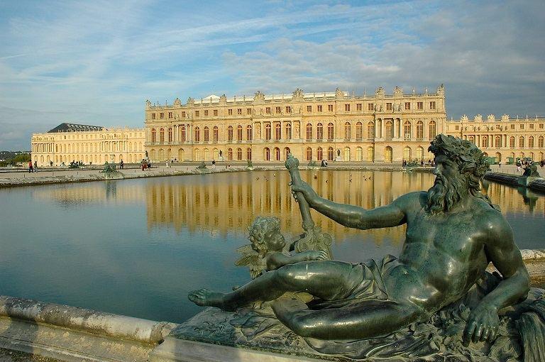 Cung điện chính phủ Burgundy - địa điểm du lịch tại Pháp