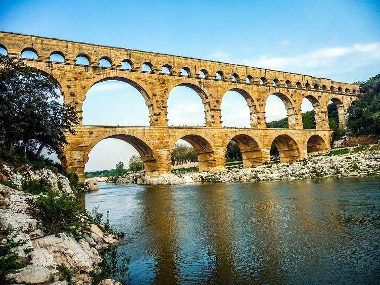 Cầu Pont Du Gard - địa điểm du lịch tại Pháp