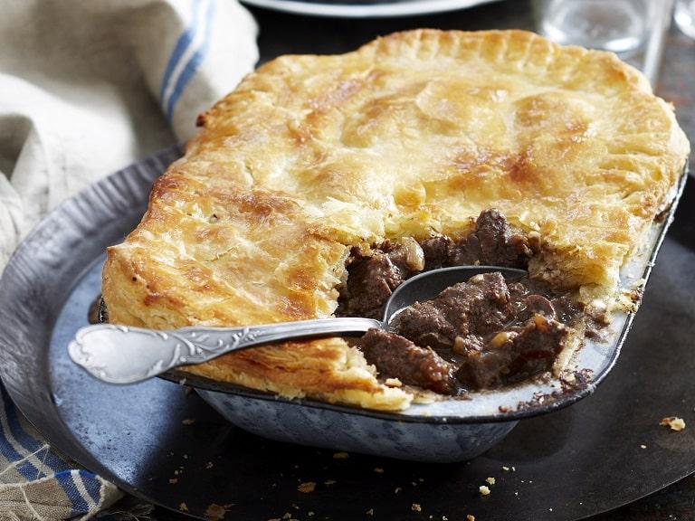 Steak and kidney pie - một món bánh đặc biệt