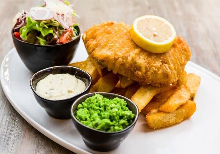 Fish and chips - đặc sản của Anh quốc