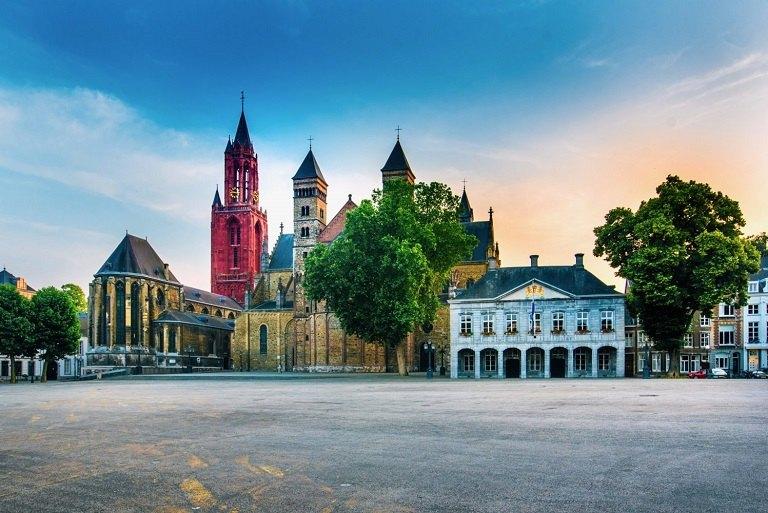 địa điểm du lịch Hà Lan - Quảng trường Maastricht Vrijthof