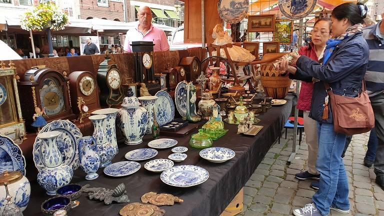 Chợ đồ sứ Delft