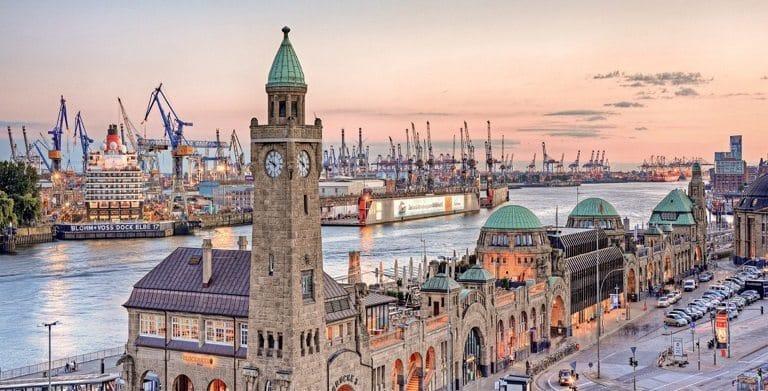 Địa điểm du lịch ở Đức - Cảng Hamburg