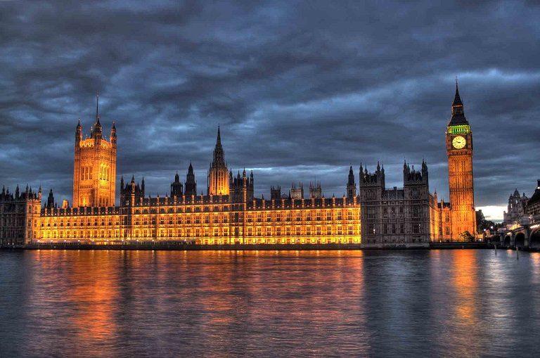 Cung điện Westminster xa hoa và lộng lẫy