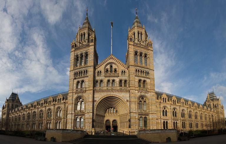 Bảo tàng lịch sử tự nhiên London - địa điểm du lịch tại Anh