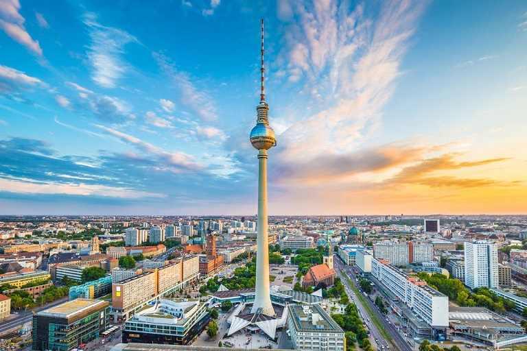 Kinh nghiệm du lịch Berlin đến thăm Tháp truyền hình Berliner Fernsehturm