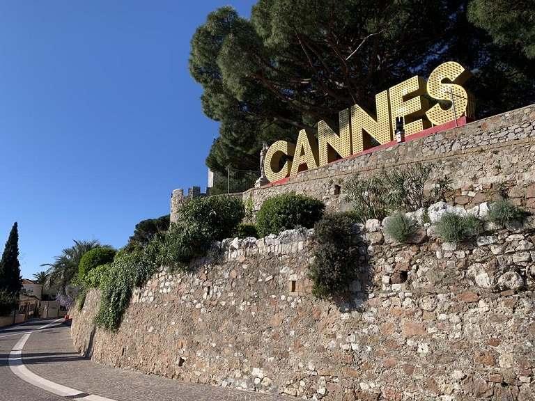 Du lịch Cannes - Vẻ đẹp của quận Le Suquet