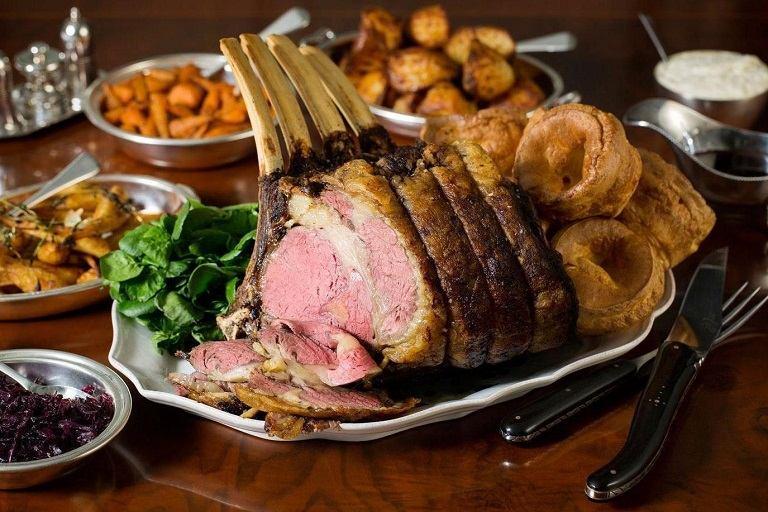 Du lịch Châu  u nên ăn gì? - Sunday Roast
