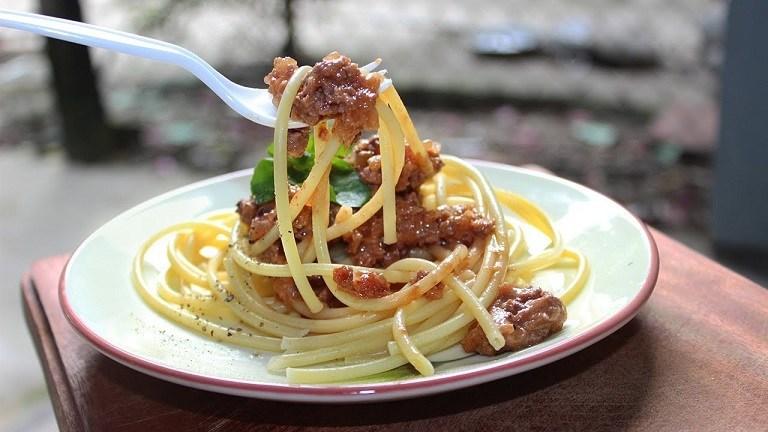 Du lịch Châu Âu nên ăn gì? - Mỳ Spaghetti Ý