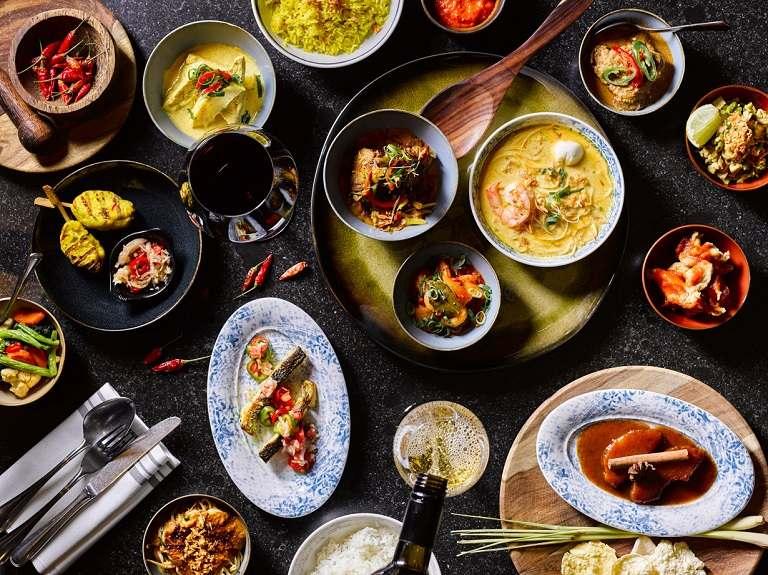 Du lịch Hà Lan nên ăn gì? Indonesian Rijsttafel