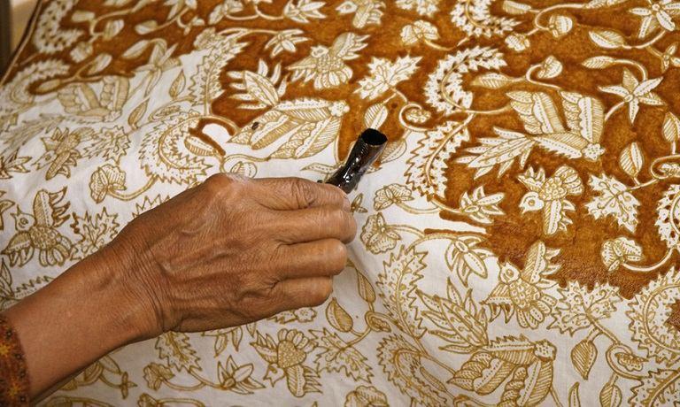 Du lịch Indonesia mua gì về làm quà? -Vải Batik