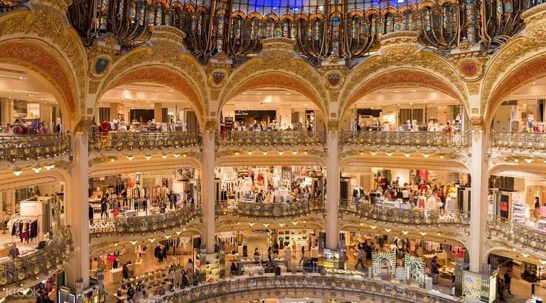 Paris tập trung rất nhiều những thương hiệu thời trang nổi tiếng