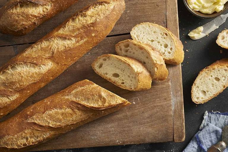 Bánh mì baguette trứ danh của Pháp