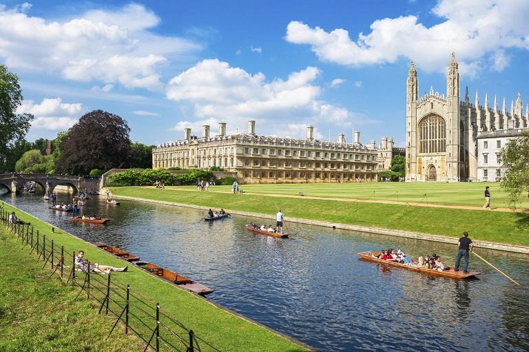 Kinh nghiệm du lịch Cambridge - Du thuyền trên sông Cam
