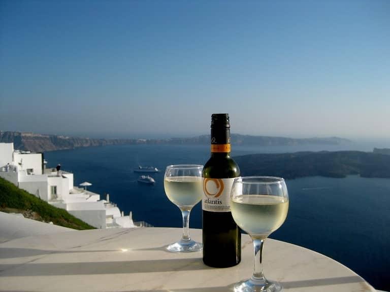 Rượu vang Santorini