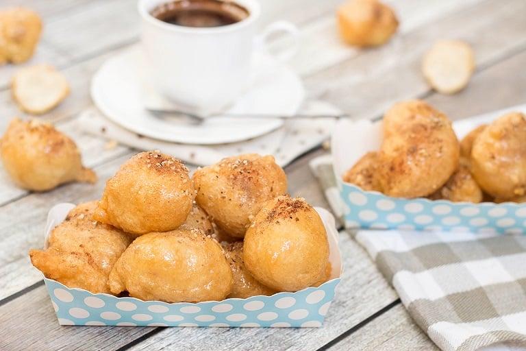 Loukoumades - Bánh rán tẩm đường và mật ong