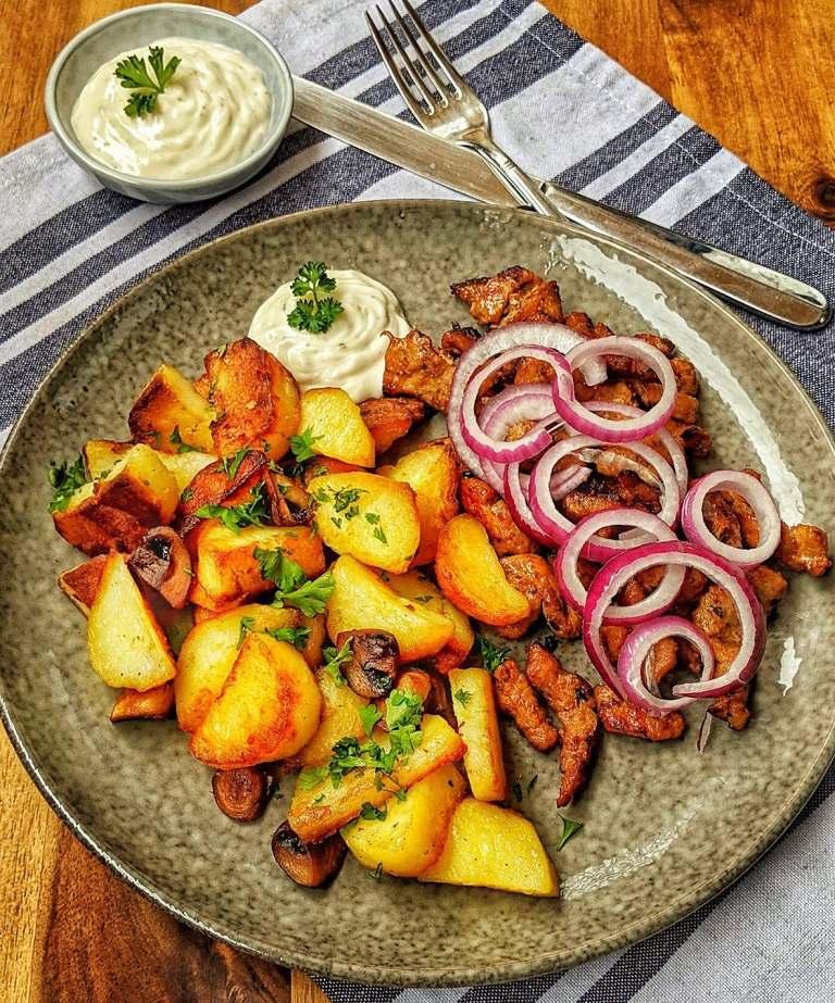 Bratkartoffeln - Món ăn truyền thống ở Đức