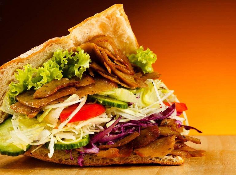 Döner kebab - Món ăn nổi tiếng của Đức