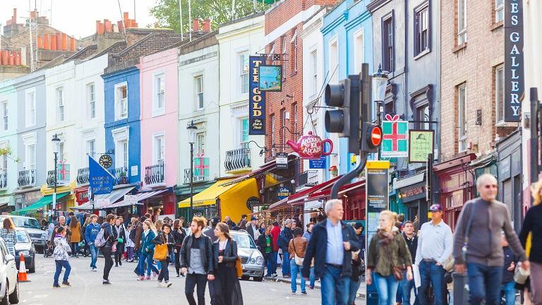 quà du lịch Anh mua được nhiều ở Khu chợ Portobello