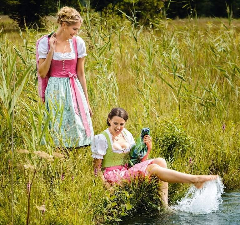 Trang phục truyền thống  - quà du lịch Đức
