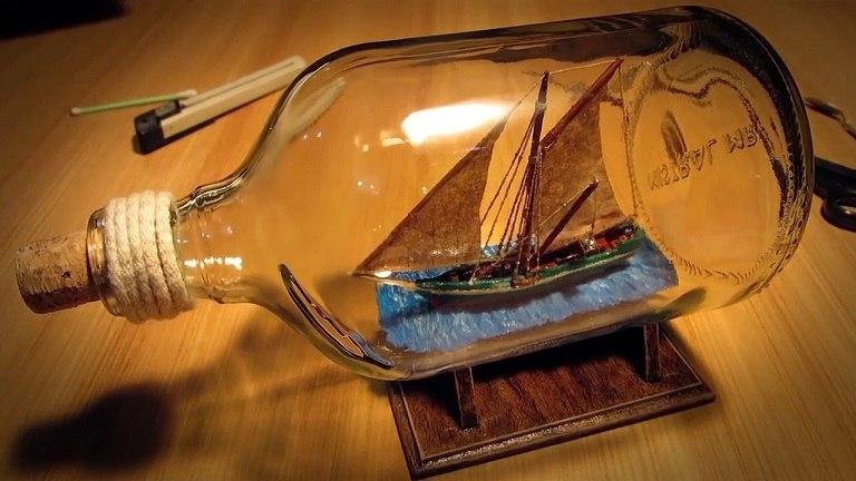 Mô hình thuyền trong lọ thủy tinh  - quà du lịch Đức
