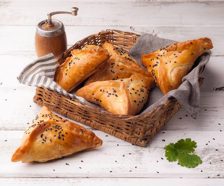 Bánh Samosas