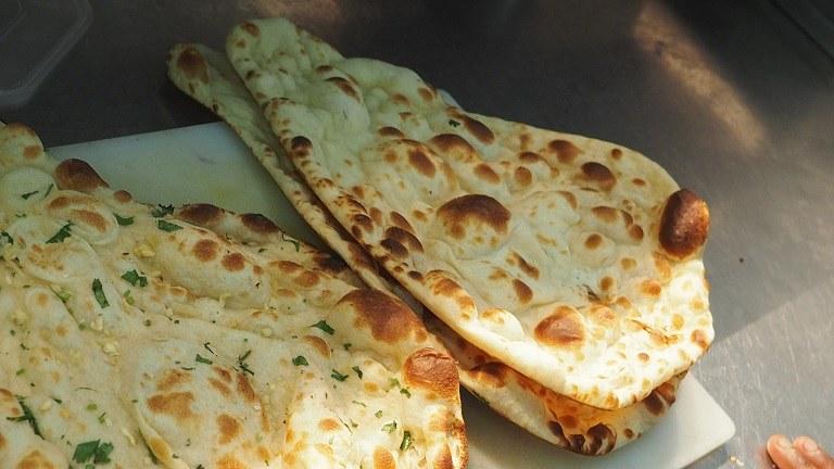 Bánh mì Naan