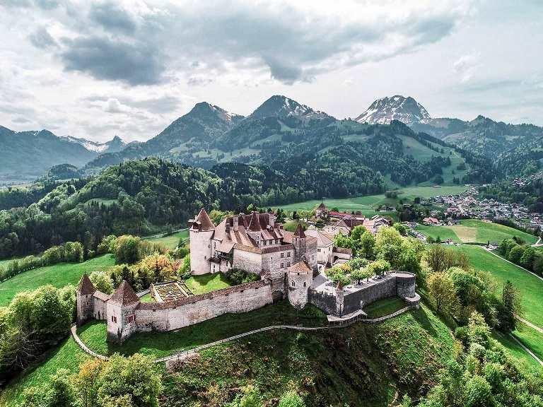 lâu đài cổ Gruyere