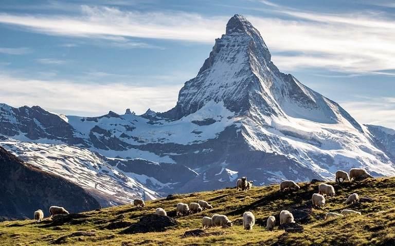 Núi Matterhorn biểu tượng của Thụy Sĩ