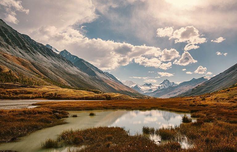 Dãy núi Altai hùng vĩ
