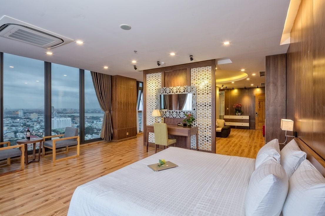 Khách sạn Đà Nẵng gần biển 10