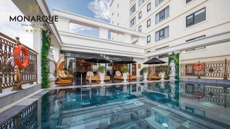 Khách sạn Đà Nẵng gần biển 11