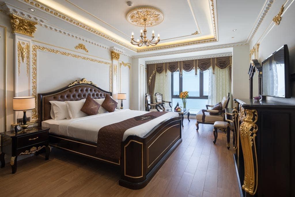 Khách sạn Đà Nẵng gần biển 12