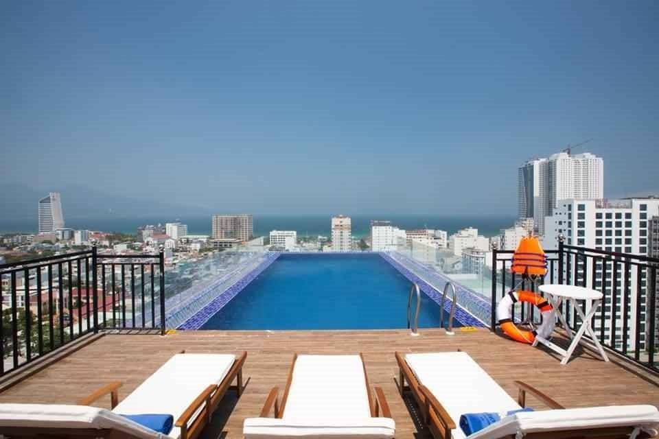Khách sạn gần trung tâm Đà Nẵng 12
